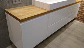 szafka łazienkowa biała w lakierze wandpark